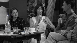 Az est háziasszonya, Juhász Anna a kötet fordítóját és szerkesztőjét, Péter Zsoltot kérdezi.