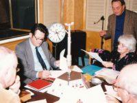"""Az """"Akár HI-FI, akár nem"""" című műsor felvétele a Magyar Rádióban (1989). Balról jobbra: Bajor Nagy Ernő, Sághy István, Palásti Pál, Rácz Vali és Szilágyi György"""